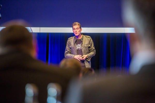Keynote Vortrag Dr. Peter Kreuz Vortragsredner Spiegel-Bestsellerautor Unternehmer RebelsatWork